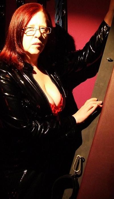 Newport Mistress, Mistress Whips